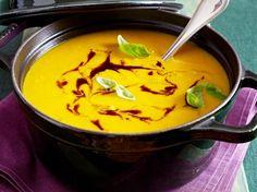 Unser beliebtes Rezept für Curry-Kürbissuppe und mehr als 55.000 weitere kostenlose Rezepte auf LECKER.de.