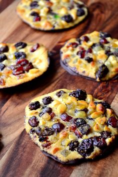 Dried Fruit Florentines Cookie Recipe for Christmas. Yummy Treats, Sweet Treats, Yummy Food, Tasty, Florentine Cookies, Biscuit Cookies, Cookie Tray, Scottish Dishes, Italian Biscuits