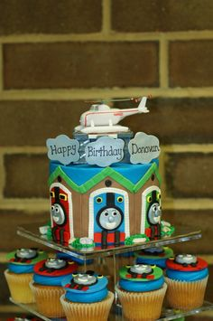 Thomas and friends cake and cupcakes