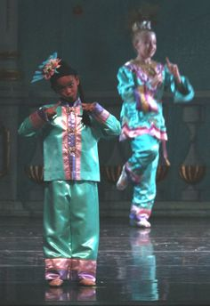 Dallas student dancers in the Chinese Variation of Great Russian Nutcracker