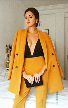 Don't worry, you can still look gorgeous during the cold winter months. Don't miss out on this season trends. Yellow Fashion, Suit Fashion, Curvy Fashion, Fashion Looks, Fashion Outfits, Womens Fashion, Fashion Styles, Classy Outfits, Casual Outfits