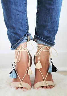 Sandales personnalisées avec des pompons - Marie Claire Idées