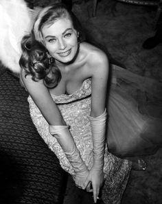 Sweden´s filmstar Anita Ekberg at restaurant Riche in Stockholm, 1955. Photo: Jan Delden