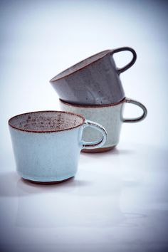 Lovely ceramic cups to drink hot chocolate from Ceramic Tableware, Ceramic Cups, Ceramic Art, Pottery Mugs, Ceramic Pottery, Thrown Pottery, Slab Pottery, Earthenware, Stoneware