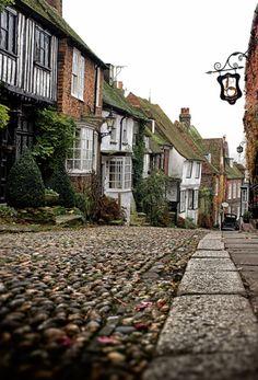 Mermaid Street and Mermaid Inn. Rye, Sussex, England By Dom Broadley