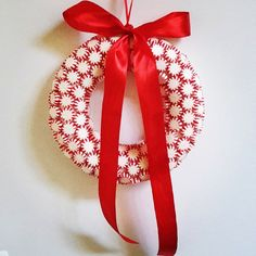 Christmas - Decoration doorwreath Xmas red and white sweets Christmas Decorations, Christmas Ornaments, Holiday Decor, Latte, Red And White, Xmas, Create, Home Decor, Decoration Home