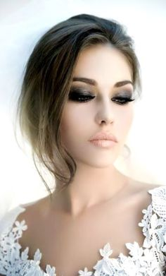Beautiful Smoky Eye Neutral Lipstick Bridal Makeup! #EcoTools Pure Complexion Facial Sponge Can Help You Remove Your Dramatic Makeup!