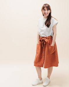 Schnittmuster Rock Bloom Capsule Wardrobe, Waist Skirt, High Waisted Skirt, Diy Kleidung, Neue Trends, Normcore, Bloom, Shirts, Outfits