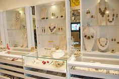 Beverly Hills in-store displays #kendrascott