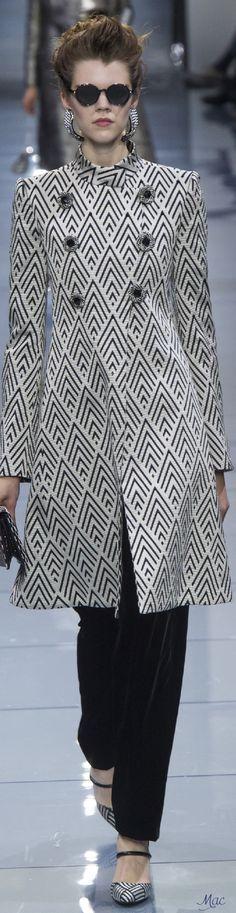 Fall 2016 Haute Couture - Armani Privé
