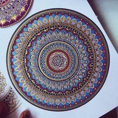 When you experiment with colours. #mandala // #murderandrose.