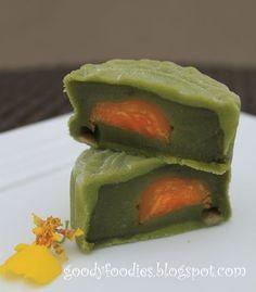 Mini snow skin mooncake with green tea paste & single egg yolk