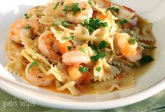 Shrimp and Zucchini with Bowties. Shrimp and Zucchini with Bowties in Light Tomato Sauce Seafood Dishes, Pasta Dishes, Seafood Recipes, Pasta Recipes, Dinner Recipes, Cooking Recipes, Cooking Food, Veggie Dishes, Sauce Recipes