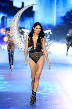 d47c6b6f342683 The Best Runway Looks From The 2018 Victoria's Secret Fashion Show
