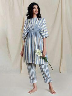 Stylish Dress Book, Stylish Dresses, Fashion Dresses, Women's Fashion, Simple Kurti Designs, Kurta Designs Women, Indian Maternity Wear, Indian Gowns Dresses, Kurti Designs Party Wear