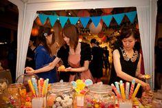 映画の世界のカラーリングをモチーフに。物語の中に入ったようなウェディングパーティー   Party Report   PARTY   CLASKA