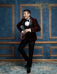 Actor Yoo Ah-in recently took part in a photo shoot for the upcoming 2016 Blue Dragon Awards, with celebrity style and news magazine Celeb's Pick. Celeb's Pick shared Friday its picture sp. Best Young Actors, Yoo Ah In, Piano Man, Korean Entertainment, Handsome Actors, Asian Men, Asian Guys, Love Affair, Celebs