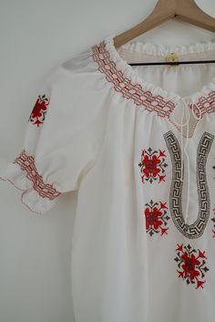 Peasant Blouse, Peasant Tops, Puffed Sleeves, Metallic Thread, Red Lipsticks, Vintage Tops, Ties, Bell Sleeve Top, Skinny