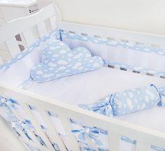 O Kit Berço Nuvem é uma das tendências mais atuais para o enxoval do quarto do bebê. Delicado, fofo e lúdico, ele será a estrela da decoração.