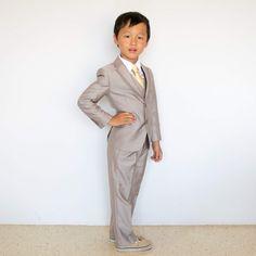 • S L I M . F I T . S U I T coat + vest + shirt + pants + tie Size 2 to 20 ➽ WinnieTriplets.com • 绅士套装 . 양복 . スーツ (ノ◕ヮ◕)ノ*:・✧ ✧・: *ヽ(◕ヮ◕ヽ) Model : Brayden • #winnietriplets  #kidsfashion  #cute  #style  #boy  #toddlerstyle  #toddlerfashion  #boyfashion  #vest  #suit  #小孩  #北欧  #可爱  #男の子  #suits  #かわいい  #きれい  #ig_kids  #ig_oyabakabu  #親バカ  #親バカ部  #子供  #champagne  #formalwear