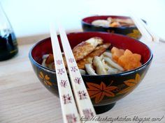 Ricetta Udon soup con pollo e funghi shiitake