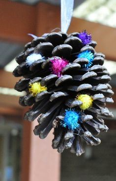 2013 Christmas Pinecones Crafts, Blue and Purple Pinecone decor for 2013 Christmas