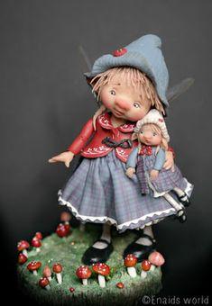 Dit is Marietta  Ze is een fairypuppet ,Ze ging op visite naar haar vriendin  Maar de uren gaan snel voorbij als het gezellig is .  Toen z...