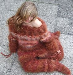 Wool Scarf, Wool Coat, Fur Coat, Gros Pull Mohair, Mo Hair, Fur Fashion, Catsuit, Sweater Outfits, Knitting