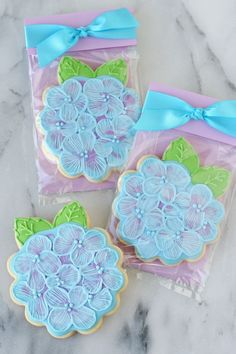 Pretty Cookie Packaging, step by step tutorial - via GloriousTreats.com