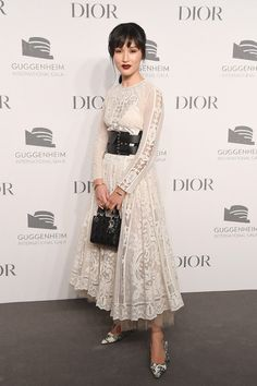 Nicole Warne Photos - Nicole Warne attends the 2018 Guggenheim International Gala Pre-Party made possible by Dior at Solomon R. Guggenheim Museum on November 2018 in New York City. - 2018 Guggenheim International Gala Pre-Party, Made Possible By Dior Gala Gonzalez, Winnie Harlow, Winter Date Outfits, Outfits Fiesta, Dress Skirt, Dress Up, Nicole Warne, Natalia Vodianova, Vogue