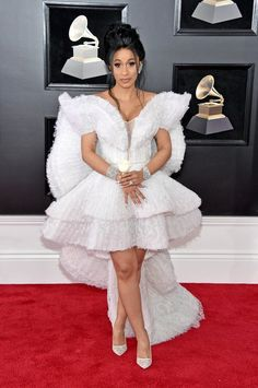 2018 Grammys Red Carpet Fashion Cardi B, 2018 Grammy Awards, Red Carpet Fashions Cardi B Grammys, Cardi B Photos, B Fashion, White Fashion, Fashion News, Red Carpet Dresses, Red Carpet Looks, Red Carpet Fashion, Lady Gaga