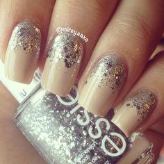 Simple Mani nude & glitter