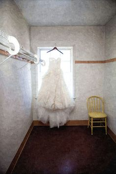 10 tips for negotiating the price of a wedding dress | Offbeat Bride