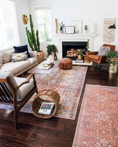 Layered and cozy eclectic living space. Boho, vintage and mid century modern acc… - Eclectic Home Decor Eclectic Living Room, Boho Living Room, Eclectic Decor, Living Room Modern, Living Room Designs, Living Room Decor, Living Spaces, Bohemian Living, Living Rooms