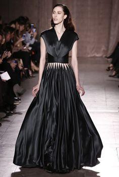 New York Fashion Week: Zac Posen Autumn/Winter 15 #fashionweek #luxury #style #couture #luxurylifestyle