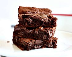 Brownie Recipes 12807180178554087 - Look no further for the perfect brownie. These brownies have the signature brownie cracked top, a dense, fudge-like interior, and a rich and delicious flavor! Eggless Brownie Recipe, Brownie Recipe Video, Brownie Recipes, Chocolate Recipes, Bakers Chocolate Brownie Recipe, Rice Cooker Brownies Recipe, Dark Chocolate Brownies, Cocoa Chocolate, Chocolate Cheese