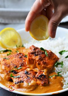 Fish Tikka Masala Recipe is cooked with juicy Salmon that are made into tikkas or kebabs first by pan searing. Than the fish tikkas are slow simmered in a home-made creamy, delicious tikka masala sauce. Fish Tikka Masala Recipe, Masala Fish Recipes, Tikka Masala Sauce, Curry Recipes, Salmon Recipes, Seafood Recipes, Tandoori Fish, Tandoori Masala, Easy Indian Recipes