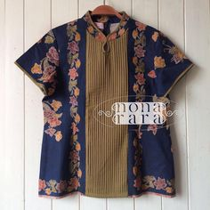 Fabric : Batik Encim Pekalongan Batik Kebaya, Batik Dress, Diy Clothes Tops, Clothes For Women, Diy Fashion Show Runway, Blouse Batik Modern, Dress Batik Kombinasi, Big Size Fashion, Batik Fashion