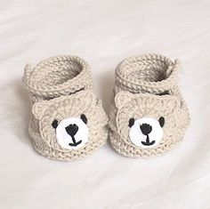 Crochet baby boots,Crochet baby shoes,Crochet booties,Crochet roses – Baby For look here Knit Baby Shoes, Crochet Baby Sandals, Crochet Baby Boots, Knit Baby Booties, Booties Crochet, Crochet For Boys, Crochet Bear, Crochet Shoes, Crochet Slippers