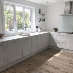 love looking at old photos of this house. Next month we have live here for a year.where the hell has that time gone… Howdens Kitchens, Grey Kitchens, Home Kitchens, Ikea Kitchen, Kitchen Decor, Kitchen Ideas, Kitchen Trends, Kitchen Furniture, Kitchen Island