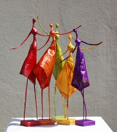 Armature with paper clay process Papier mache figure by MadunTwoPaper s culptureColourful ladies in dresses. Paper Mache Crafts, Wire Crafts, Diy And Crafts, Arts And Crafts, Paper Clay, Clay Art, Paper Art, Paper Mache Sculpture, Sculpture Projects