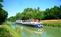 Would you rather be cruising aboard hotel barge La Belle Epoque along the Burgundy Canal right now?