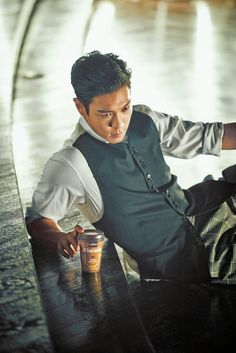 TOP (Choi Seung Hyun) ♕ #BIGBANG // French Cafe