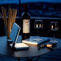 Wireless Roxxane Fly LED lamp goes wherever you need it to go - HomeCrux Usb, Luminous Flux, Led Technology, Flyer, Modern Chandelier, Lighting Solutions, Light Table, Ceiling Lamp, Led Lamp