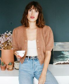 This season's cardigan trend. Jeanne Damas on a Rouje cardigan. Jeanne Damas, Outfit Designer, Designer Shoes, French Girl Style, French Girls, Style Outfits, Mode Outfits, Casual Outfits, Fashion Outfits