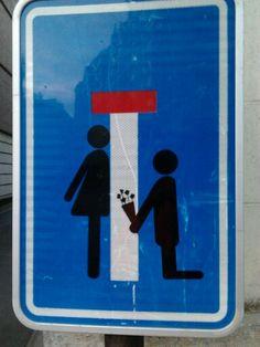 Détournement panneau routier - demande en mariage - Tournai, Belgium.
