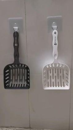 Contact us via email: services@petduro.com for reviewing our heavy duty large cat litter scoop. Follow us for more funny cute cat videos and high quality cat products. Funny Cute Cats, Cute Cat Gif, Kinds Of Cats, Cat Products, Cat Supplies, Litter Box, Cleaning, Videos, Toilets