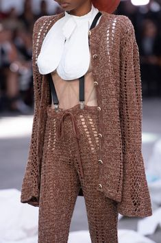 Vivienne Westwood im Frühjahr 2019 der Paris Fashion Week - Mode Fur Frauen Elle Fashion, Quirky Fashion, Daily Fashion, Trendy Fashion, Girl Fashion, Fashion Trends, Fashion Week Paris, Spring Fashion, Vivienne Westwood