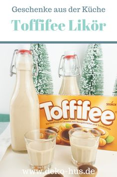 DIY Geschenke: Toffifee Likör – Deko-Hus Gifts from the kitchen: recipe for Toffifee liqueur Signature Cocktail, Drinks Alcohol Recipes, Alcoholic Drinks, Healthy Eating Tips, Healthy Snacks, Diy Gifts For Christmas, Liqueur, Pumpkin Spice Cupcakes, Vegetable Drinks