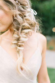 bridal hair fishtail | Photography: Aga Jones Photography